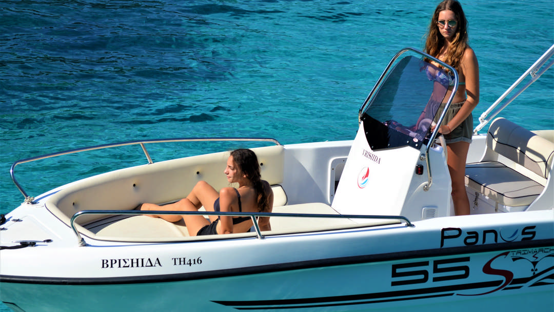 Vrisiida | 30-60 HP Deluxe Boat