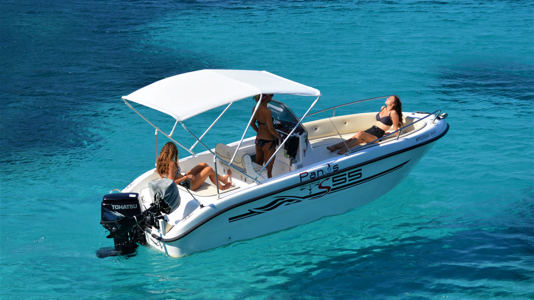 Vrisiida | 30-60 HP Deluxe Boat for hire in Paxos